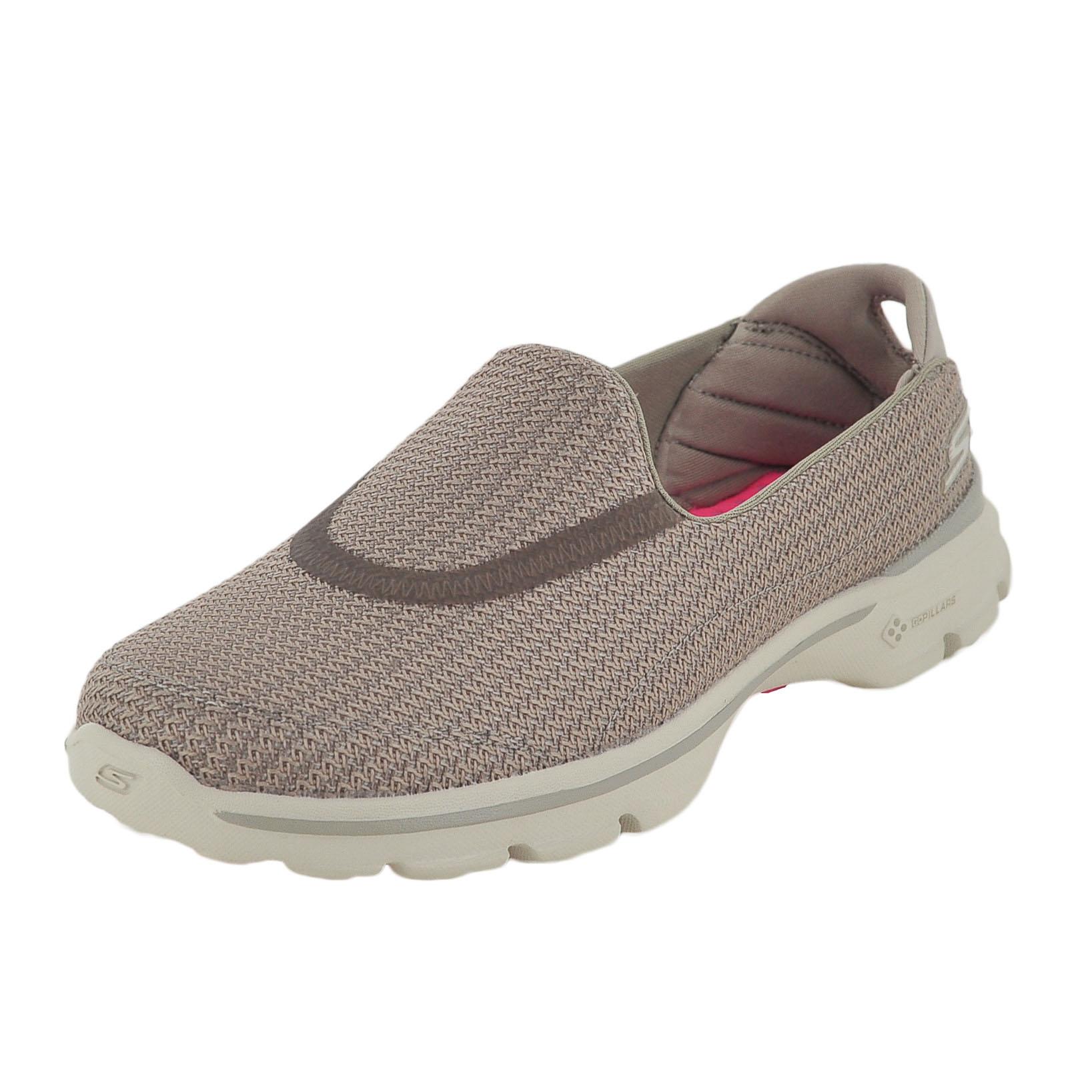 Skechers Women S Go Walk  Fitknit Extreme Walking Shoe